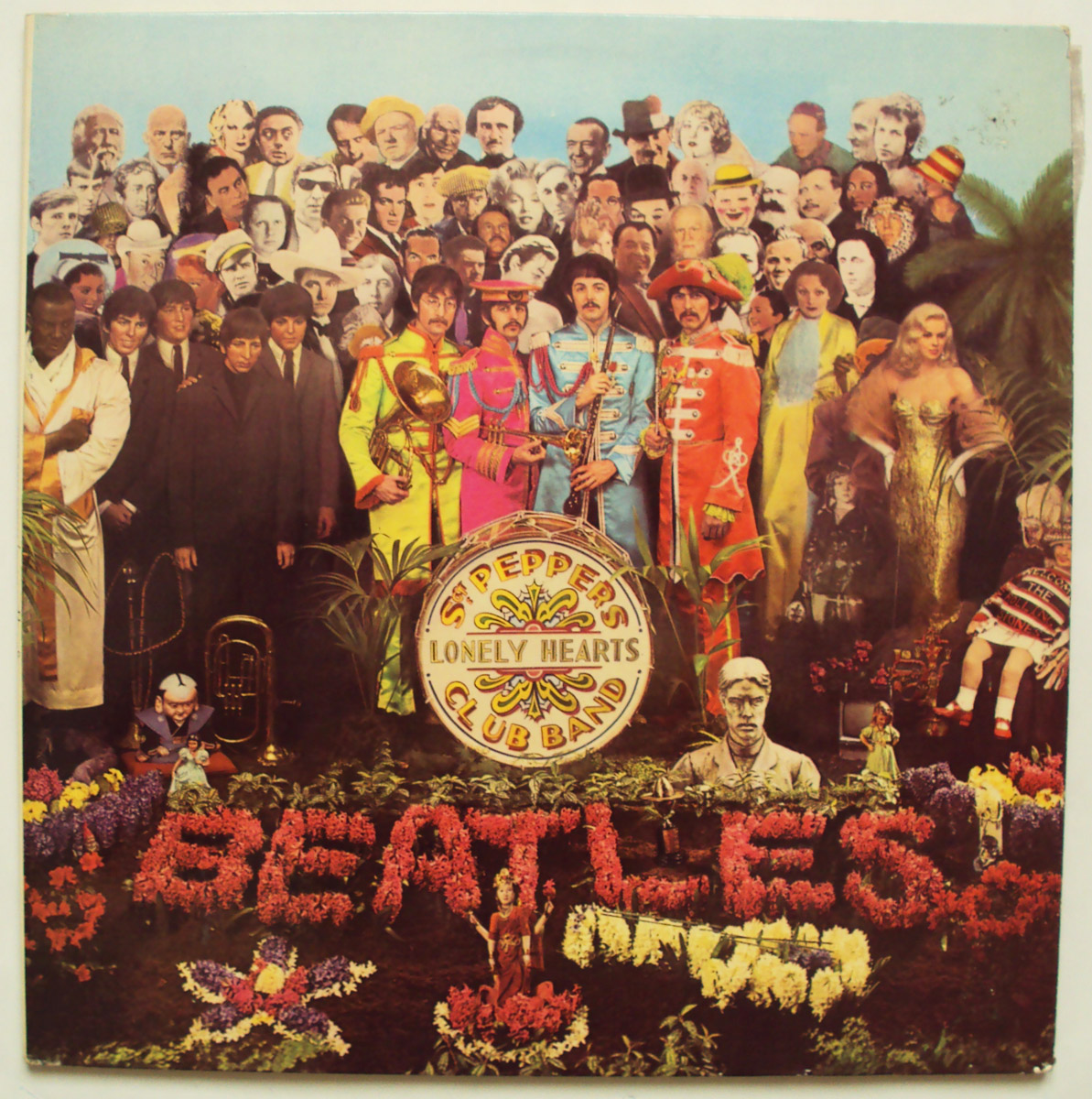 Beatles, the sgt pepper's lonely hearts club band